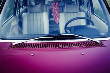 Jaki zapach do samochodu na lato? Polecamy najlepsze odświeżacze