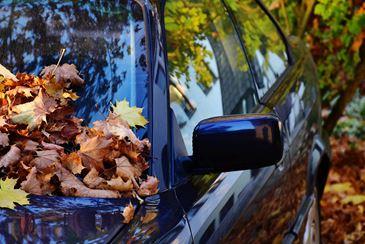 Jak zadbać o szyby w samochodzie?