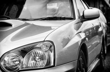 Zamarznięte drzwi w samochodzie, czyli czym smarować uszczelki w aucie?